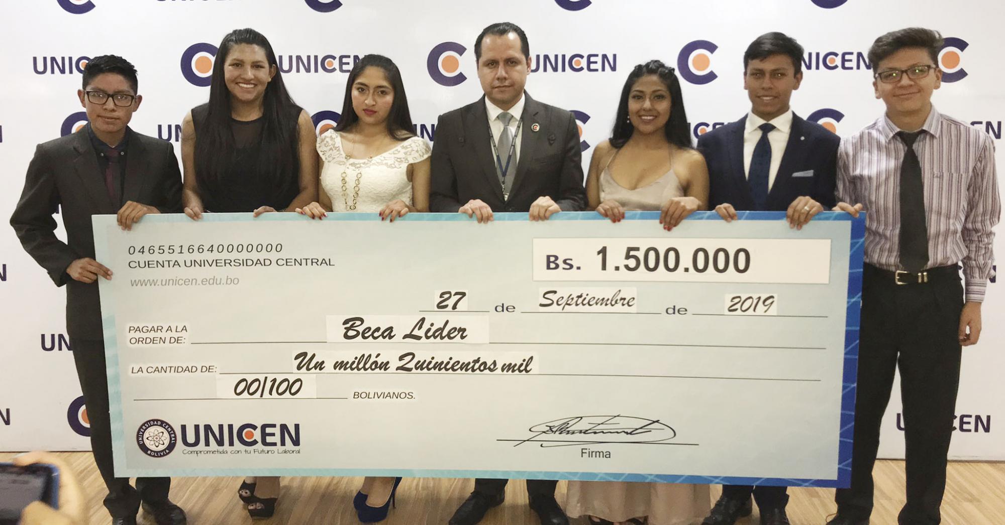 """Unicen a través de la """"Beca Líder"""" invierte aproximadamente un millón y medio de bolivianos en bachilleres de Bolivia"""