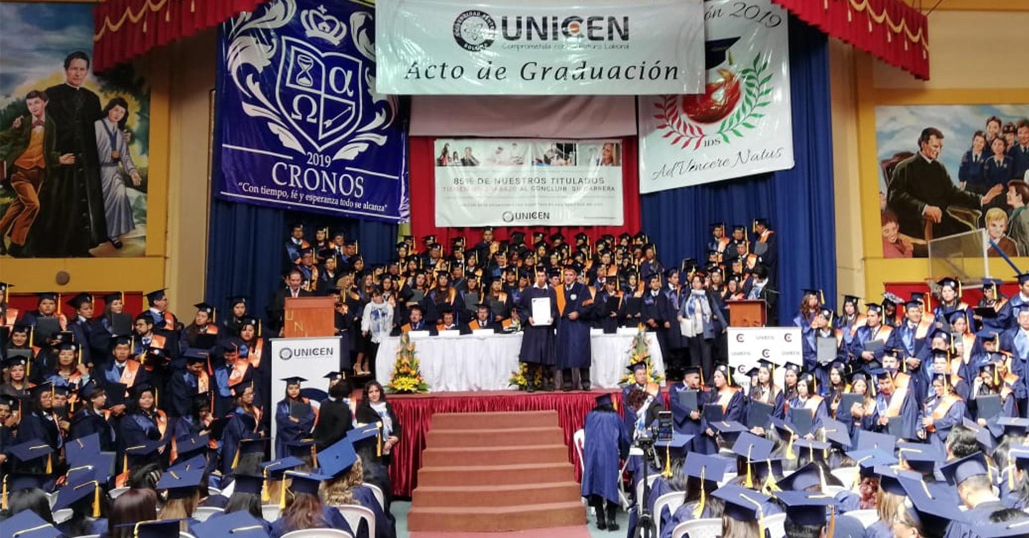 CON MUCHA SATISFACCIÓN MÁS DE 500 ESTUDIANTES EGRESARON Y SE GRADUARON DE UNICEN