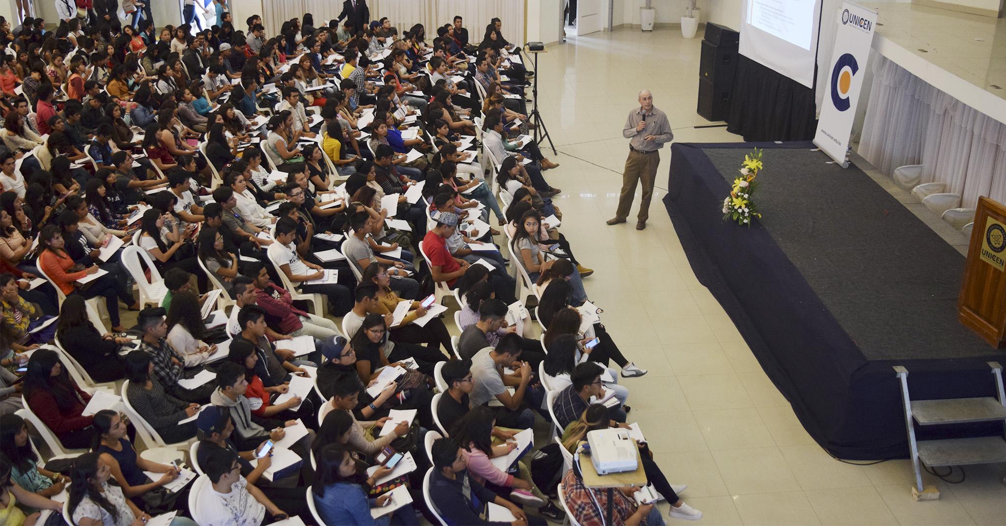 CON ÉXITO FINALIZARON CONGRESOS INTERNACIONALES DEL ÁREA EMPRESARIAL Y DEL ÁREA DE FISIOTERAPIA Y KINESIOLOGÍA